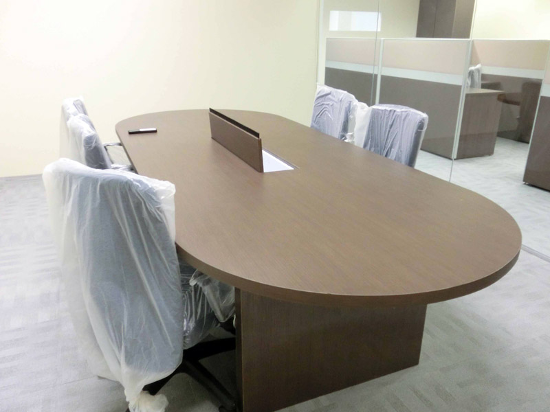 11_Wendy's-custom-made-conference-table