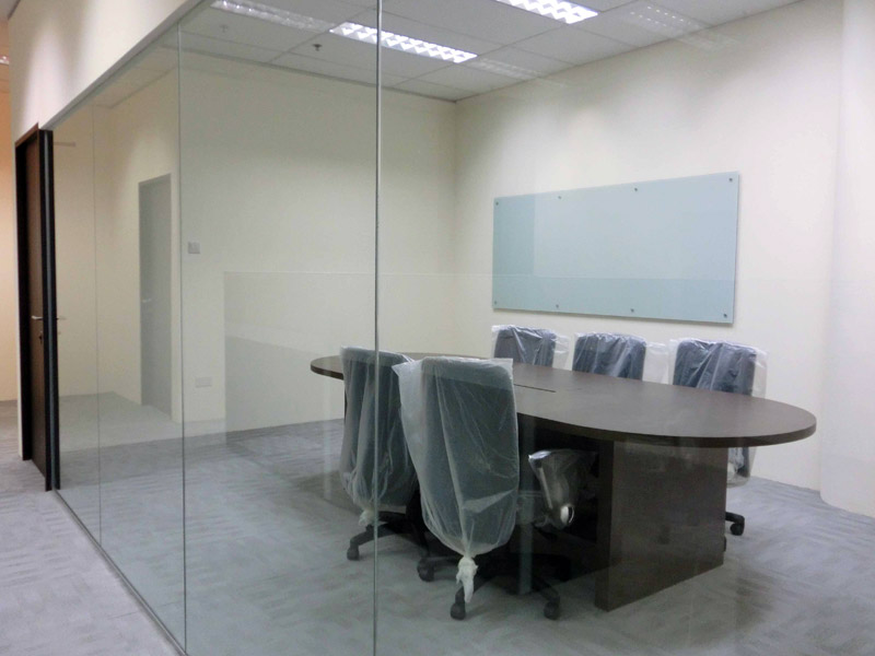 14_Wendy's-office-renovation-with-glass-partition-and-custom-made-conference-room-furniture
