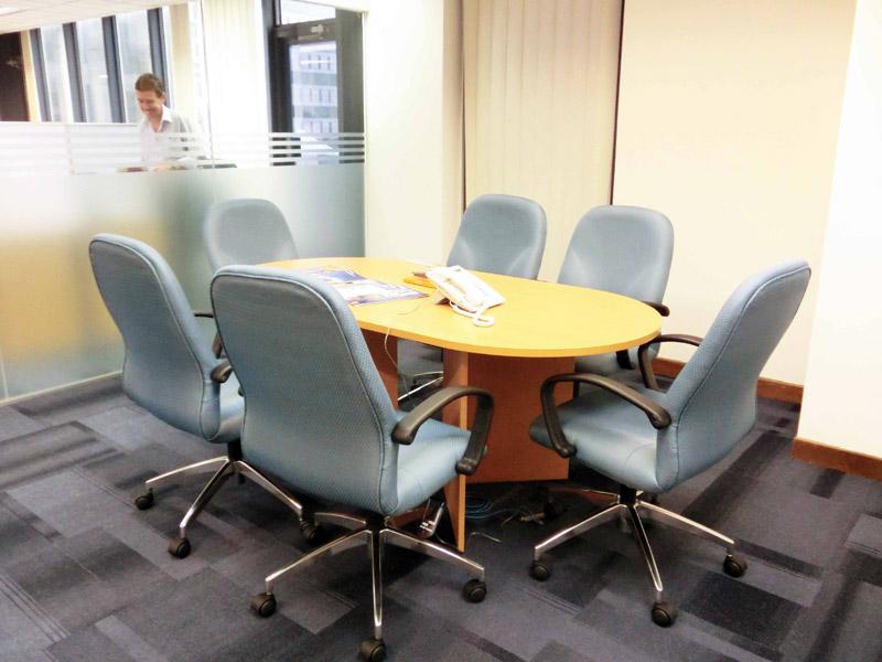 3_meeting-room