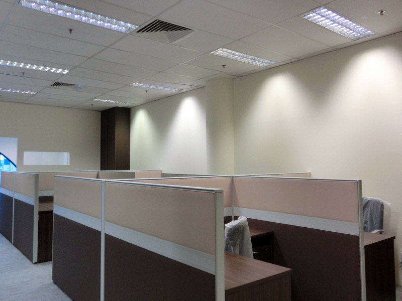9_Wendy's-office-renovation-with-system-furniture-carpet-and-glass-partition_2
