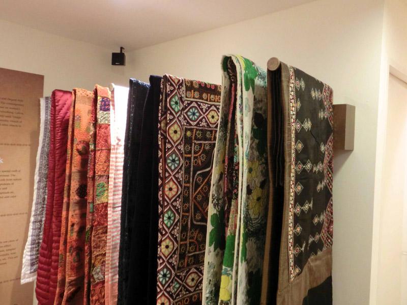 Retail-renovation-at-Suntec-Banyan-Shade-bed-linen-showcase